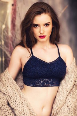 Picture of a padded blue lace bralette set